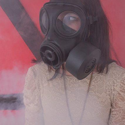 Химическое оружие. Действие гражданской обороны и населения в очаге химического заражения