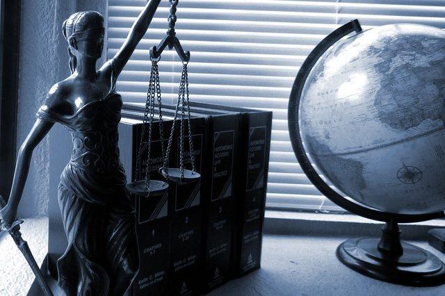 Адвокатська діяльність в Україні (курсова)